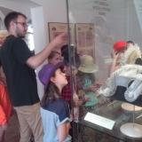 Výstava klobouků (4. třída)